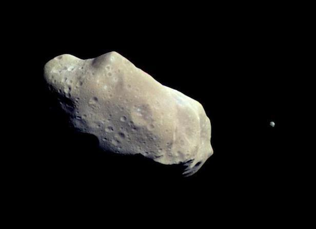 Asteroide 243 Ida e seu satélite natural Dactyl