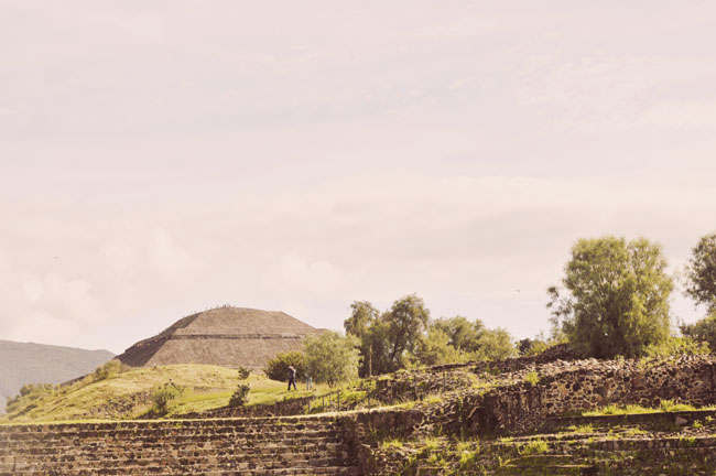 Visiting Teotihuacan Mexico City Day Trip avenue of the dea