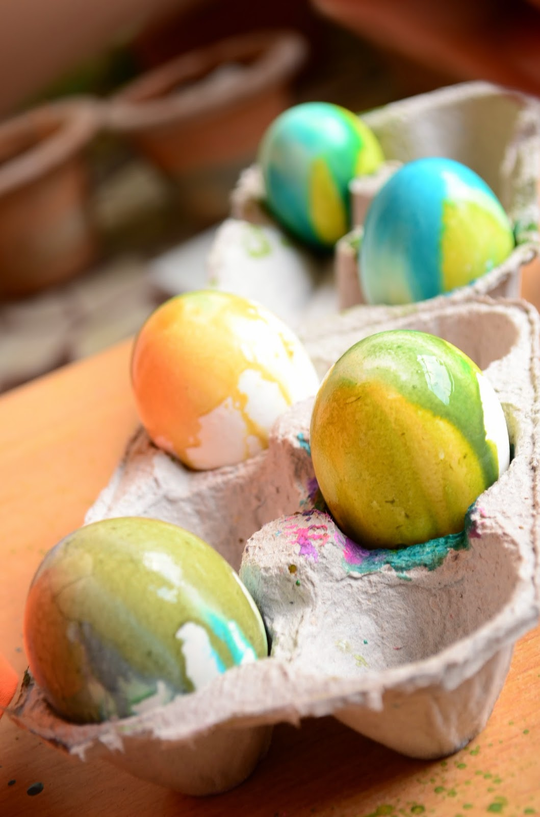 Easter Activity: Glittery Eggs