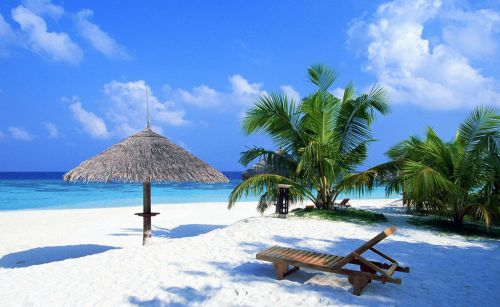 Pantai Paling Indah di Indonesia - Pantai Senggigi, Lombok