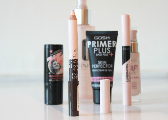 6 Ways to Illuminate the Skin Without Highlighter