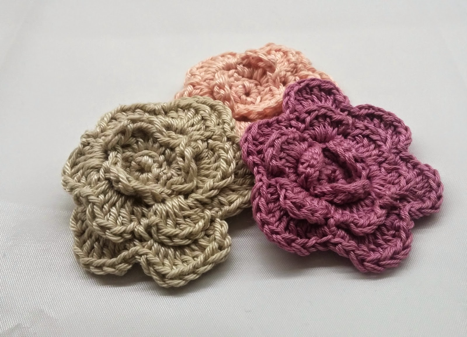 Little Treasures: How to Read Granny Square Charts: Babouska Rose