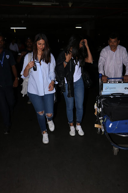 Actress Ileana latest photos snapped at airport