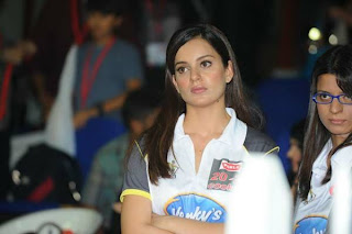 WWW.BOLLYM.BLOGSPOT.COM Indian Cute Actress at CCL 2012 Opening Ceremonty in Sharjah Picture Stills Gallery 0003.jpg
