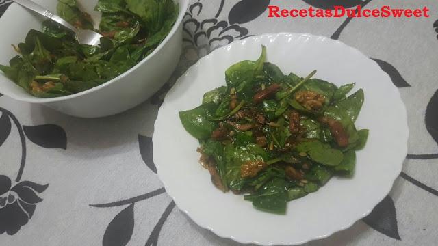 http://cocina-2016.blogspot.com.es/2016/01/ensalada-templada-de-espinacas-y-bacon.html
