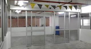 pintu kaca otomatis