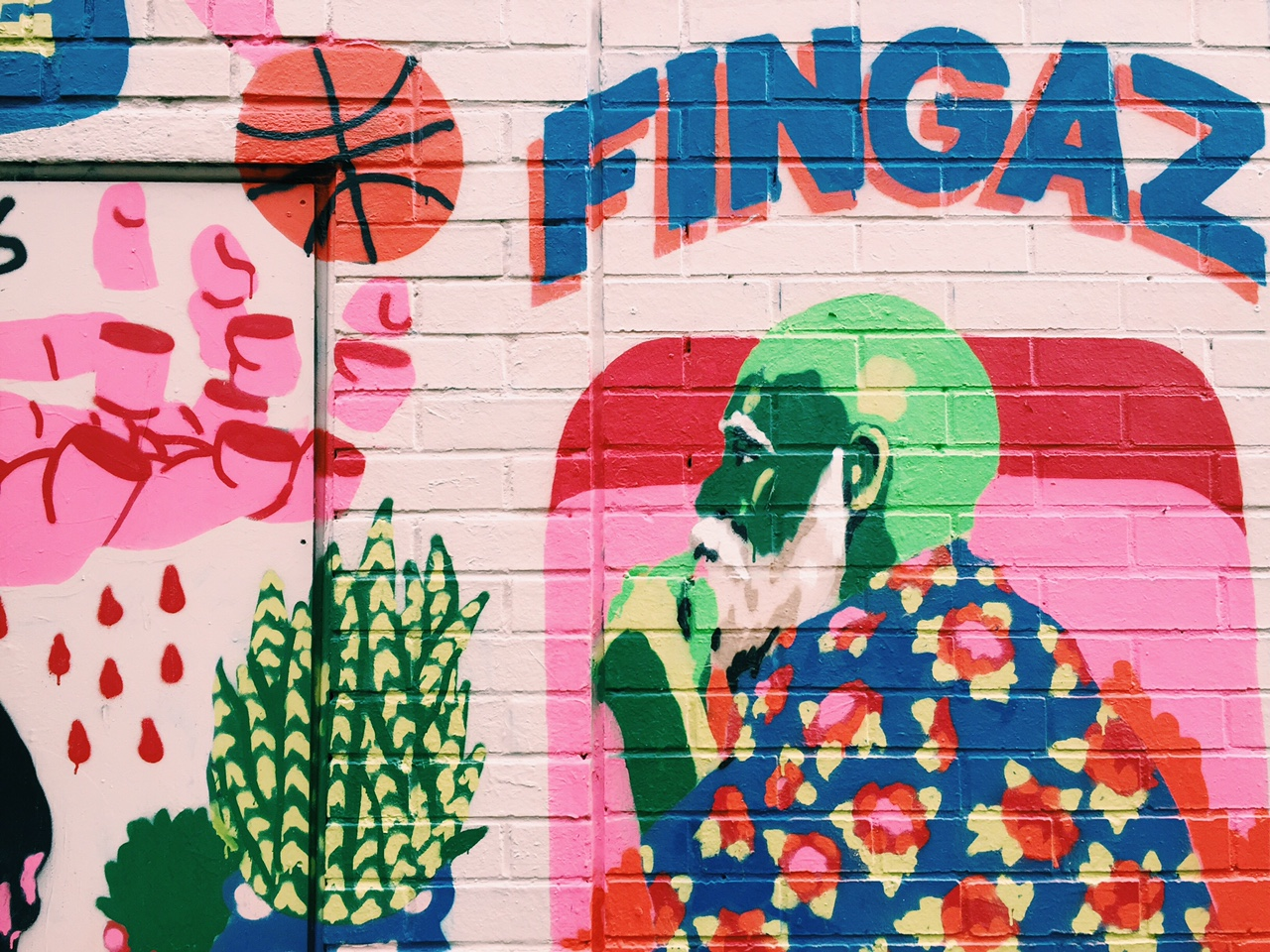 London-Wall-Art-Redchurch-Street-Broken-Fingaz