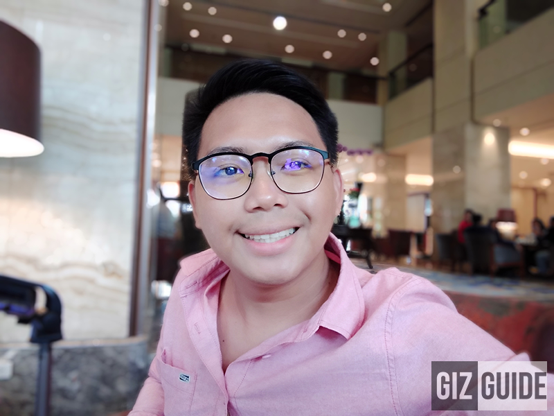 Selfie bokeh with AI face beauty