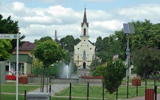 http://fotobabij.blogspot.com/2016/05/frampol-rynek-w-tle-koscio-parafialny.html