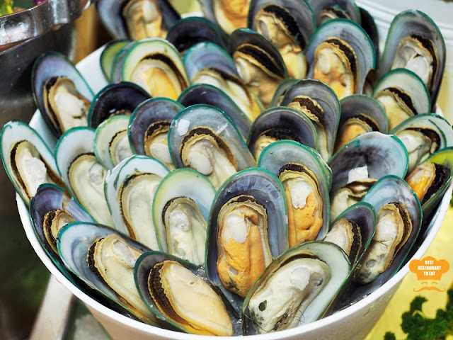 Weekend Seafood Buffet Green Mussels