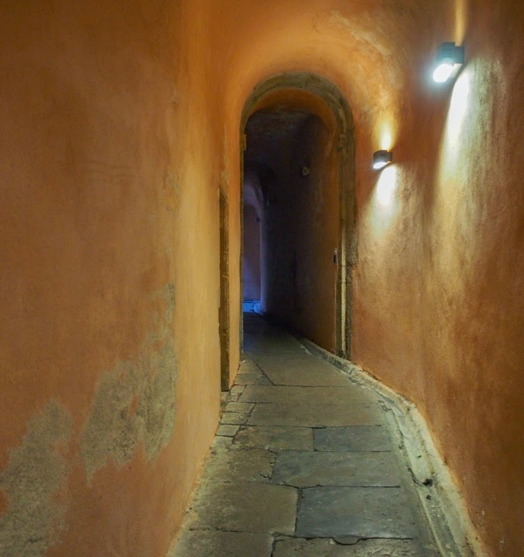 France: Les Traboules- The Secret Passageways Of Vieux