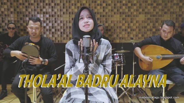 Lirik Thola'al Badru Alayna da Artinya