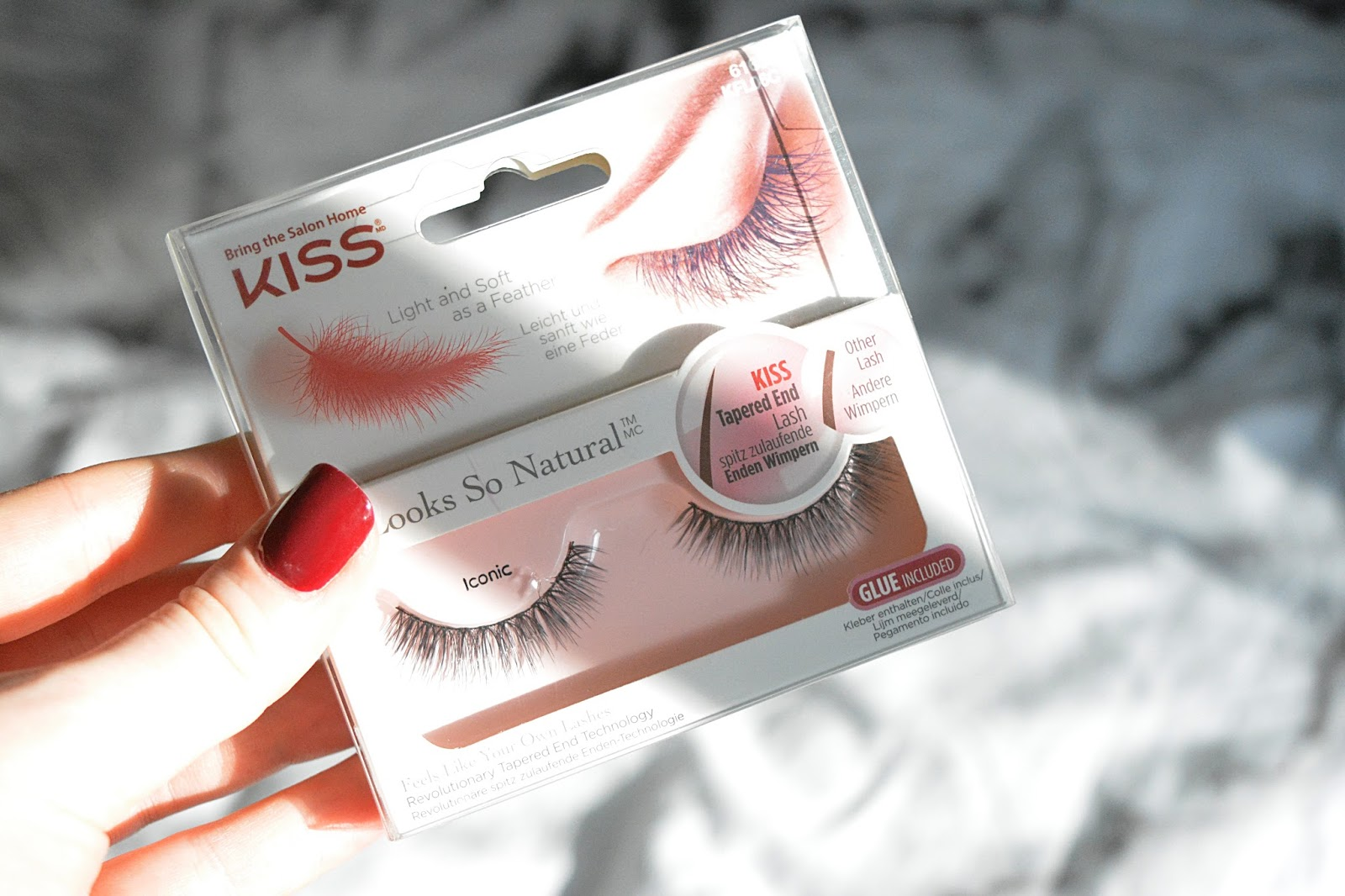 fake eyelashes, false eyelashes, kiss, lashes, eyelashes