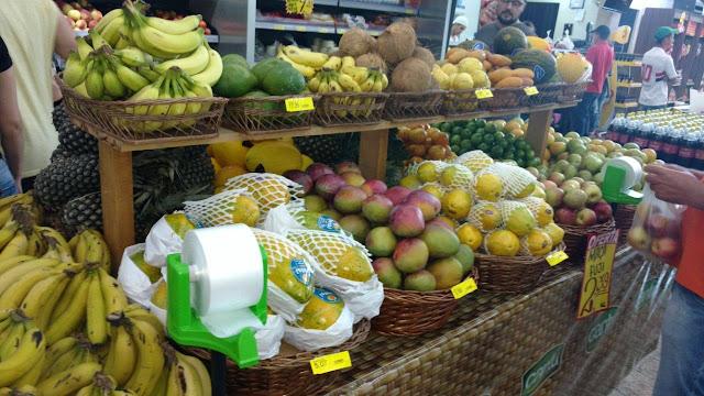 """Supermercado Labaski conta agora com a """"Feira do Hortifrúti"""". Venha conferir!!"""
