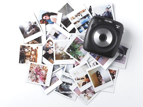 Фотоаппарат Fujifilm Instax Square SQ10 печатает квадратные фотографии