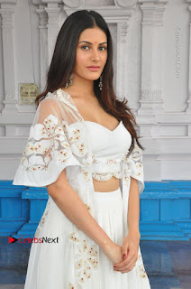AMYRA DASUR the tny girl with massive boobs hot Cleavages WOW Sexy White Choli