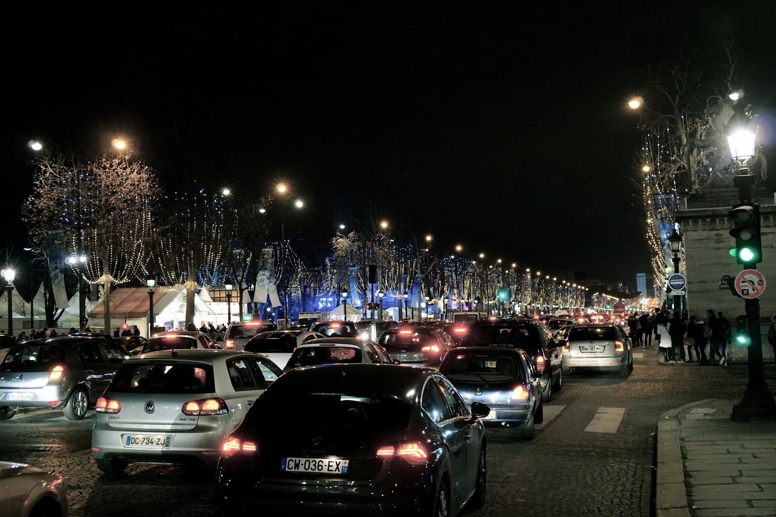 シャンゼリゼ通り(L'Avenue des Champs-Élysées)