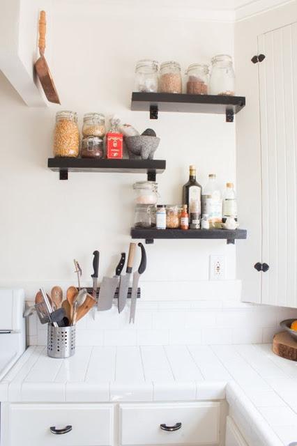 Penataan dapur yang rapi dan simple untuk dapu rkecil