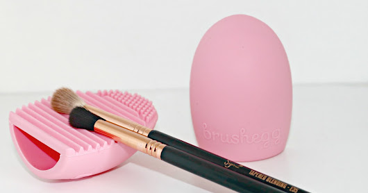 One Dollar Makeup Brush Cleaning Tool