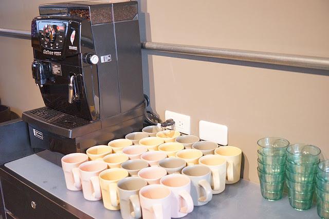 DSC00570 - 熱血採訪│瑪蒂廚房新開幕,工業風貨櫃屋搭配少女失心瘋的大花牆,還有咖啡飲料無限喝到飽
