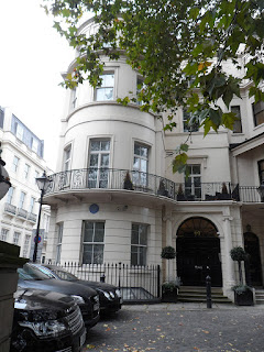Montefiore's London home was at 99 Park Lane in the Mayfair district