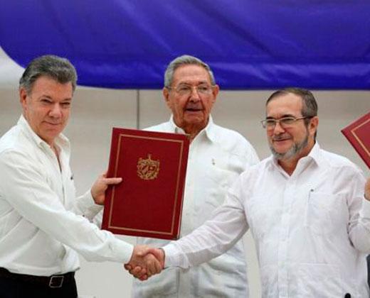 El gobierno de Colombia y las FARC firman en Cuba histórico acuerdo de cese el fuego bilateral y definitivo