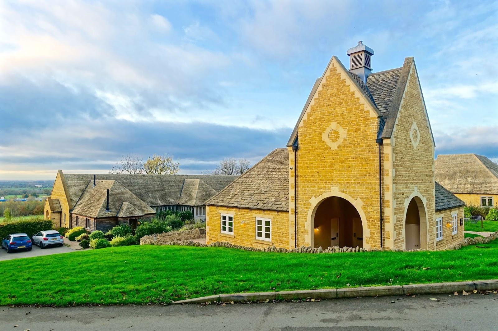the fish hotel estate in the cotswolds