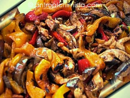 Melanzane e Peperoni alla Griglia con Pinoli Tostati