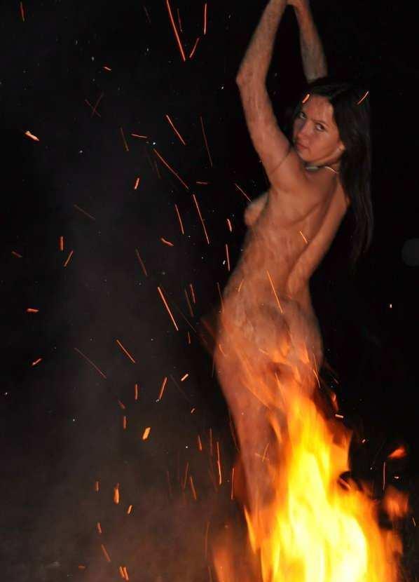 танцы голых девчонок на мобильный доехал верхнего вест-сайда
