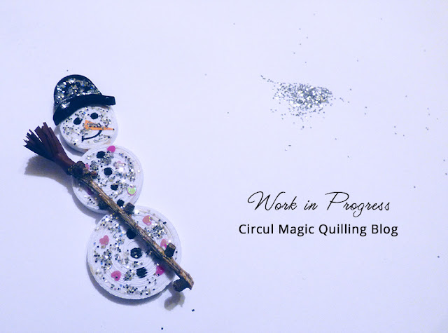 Circul Magic Christmas: Om de zapada Decoratiune Hartie Quilling