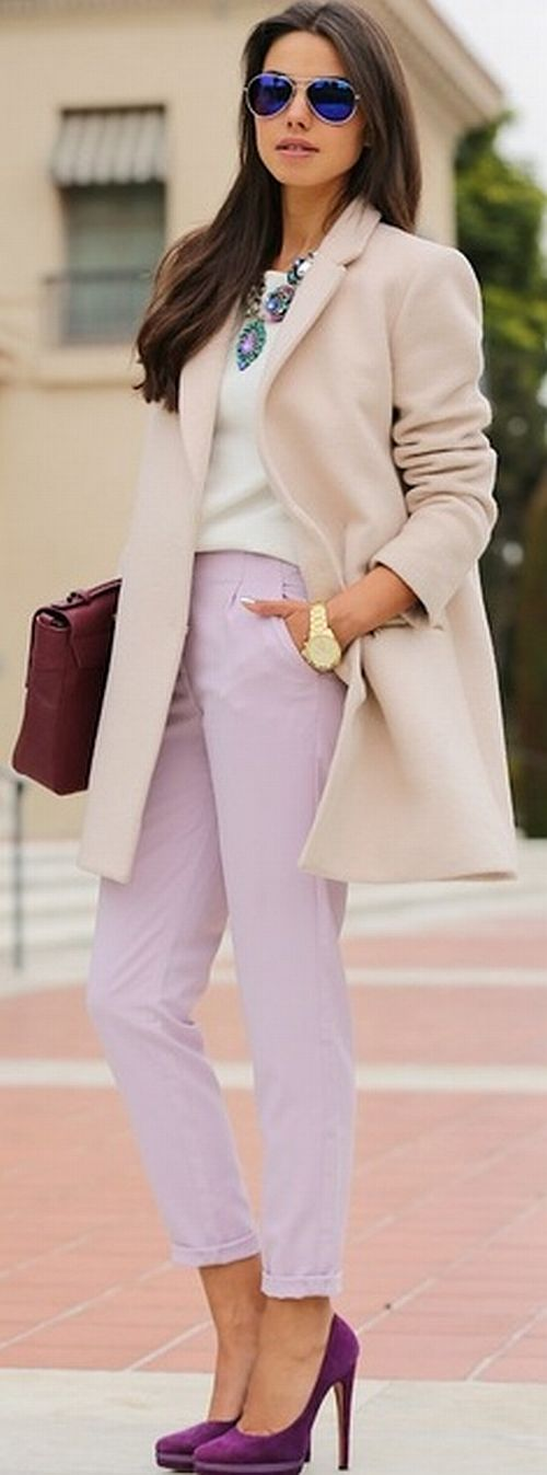 street style: amazing pastel outfit with light lilac pants