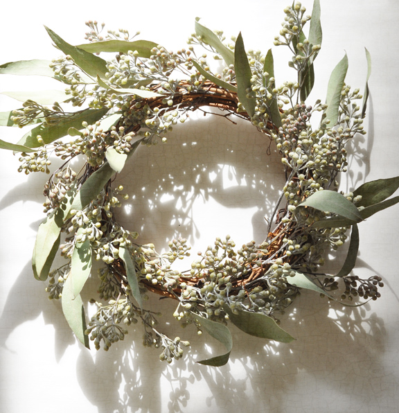 how to make a wreath with dried roses
