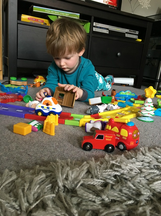 Our-Weekly-Journal-13th-March-2017-toddler-playing-with-cars