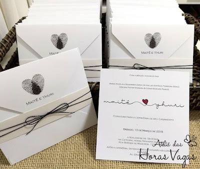 convite de casamento artesanal personalizado luxo preto e branco estampa impressões digitais dos noivos no envelope