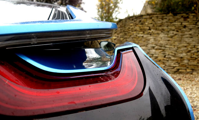 BMW i8 rear buttress