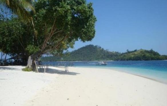 Pesona Pantai Pasir Putih Florida Kawasan Wisata Anyer Banten
