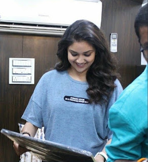 Keerthy Suresh in Blue T-Shirt with Cute and Lovely Smile with a Lucky Fan 2