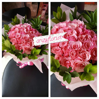 harga mawar pink di surabaya, jual bunga mawar valentine surabaya, hand bouquet pengantin surabaya,