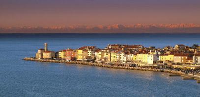 En la costa mediterránea, aprovecha para visitar algunas de las ciudades costeras de Eslovenia