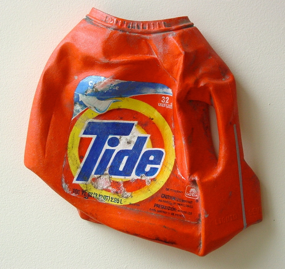 03-Tide-Tom-Pfannerstill-Hyper-Realistic-Paintings-Sculptures-From-the-Street-www-designstack-co