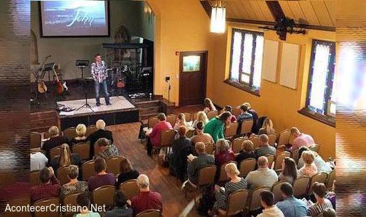 Local para matrimonios convertida en iglesia