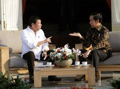 Rodrigo Duterte (left) and Joko Widodo, Jakarta, 2016
