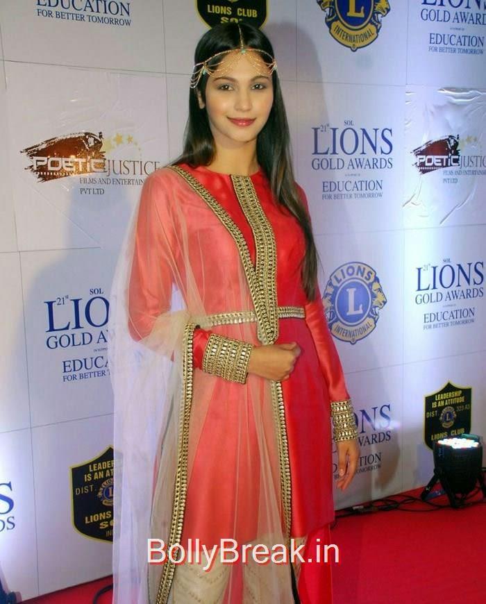 21 Lions Gold Awards, Lisa Haydon, Divyanka Tripathi At 21 Lions Gold Awards 2015