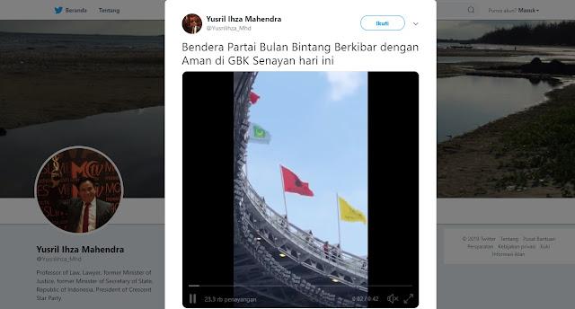 Yusril Pamer Bendera PBB Berkibar di Konser Putih Jokowi
