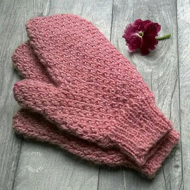 Tina's Allsorts, crochet mittens