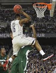 smešna slika: skok košarkaša