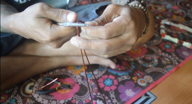 Tutorial Membuat Perhiasan Gelang dari Kawat Tembaga