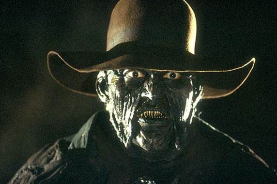 Awful Horror Movies: 6 The Creeper (Jeepers Creepers) vs 11