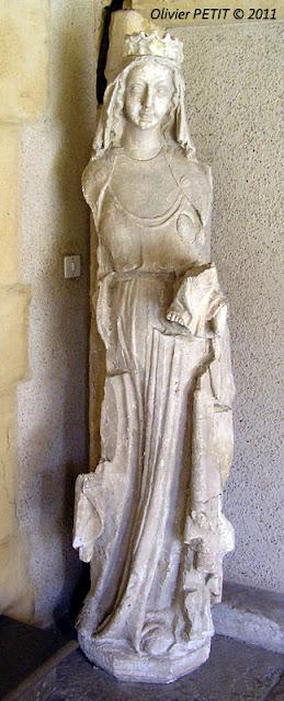 METZ (57) - Le cloître des Récollets -Vierge
