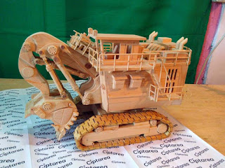 Wooden Miniature Terex Hydraulic Excavator